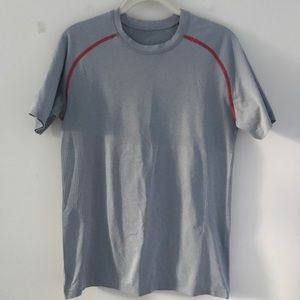Lululemon Athletic Tee Gray Red accents Sz S Gray